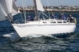 Catalina 30 Under sail 1